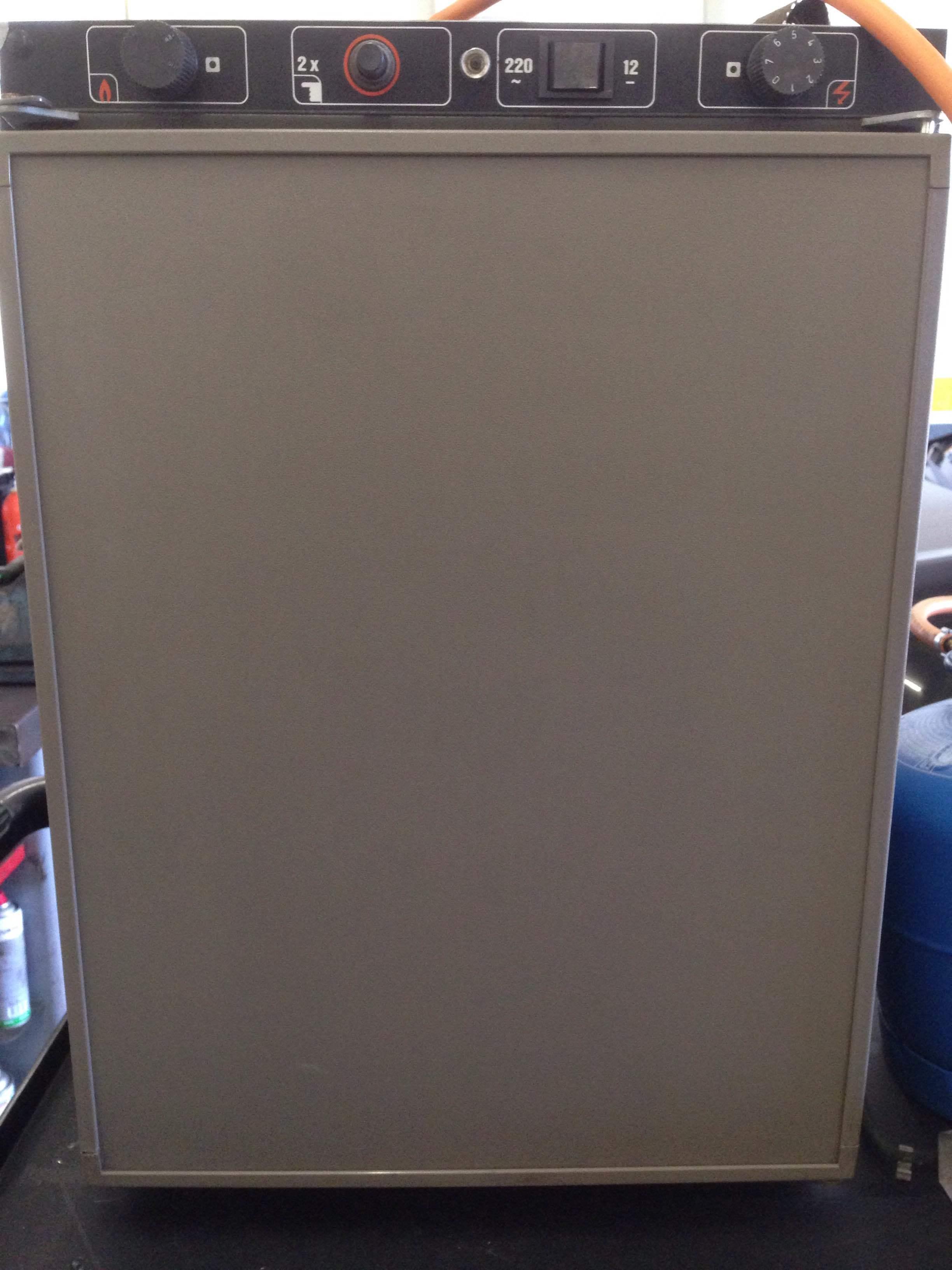 Welcher Kühlschrank ist das genau? - Camping - VWBUSFORUM.CH
