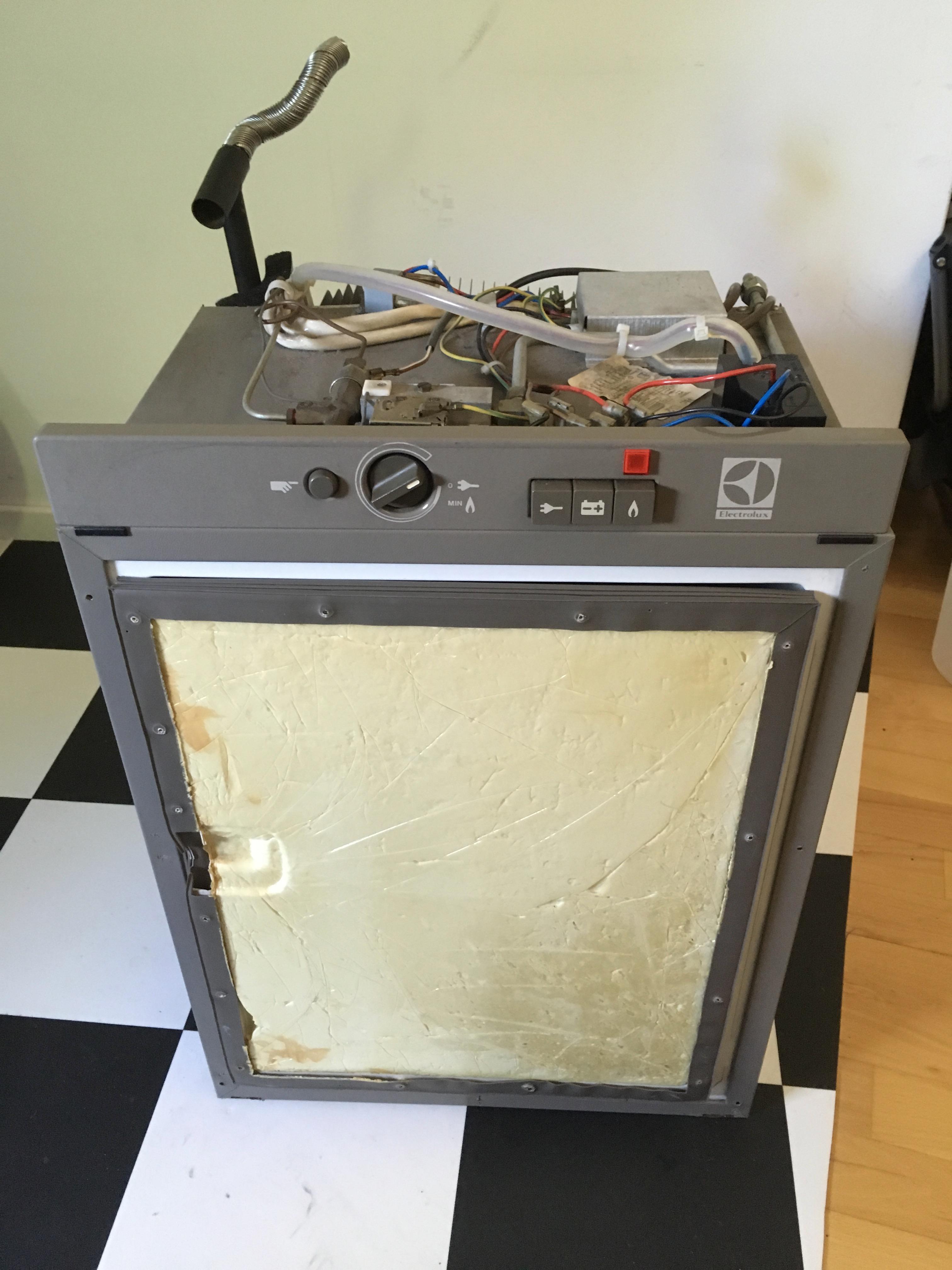 verkauft] Absorberkühlschrank Electrolux RM 184 EGI, Zündfunkengeber ...